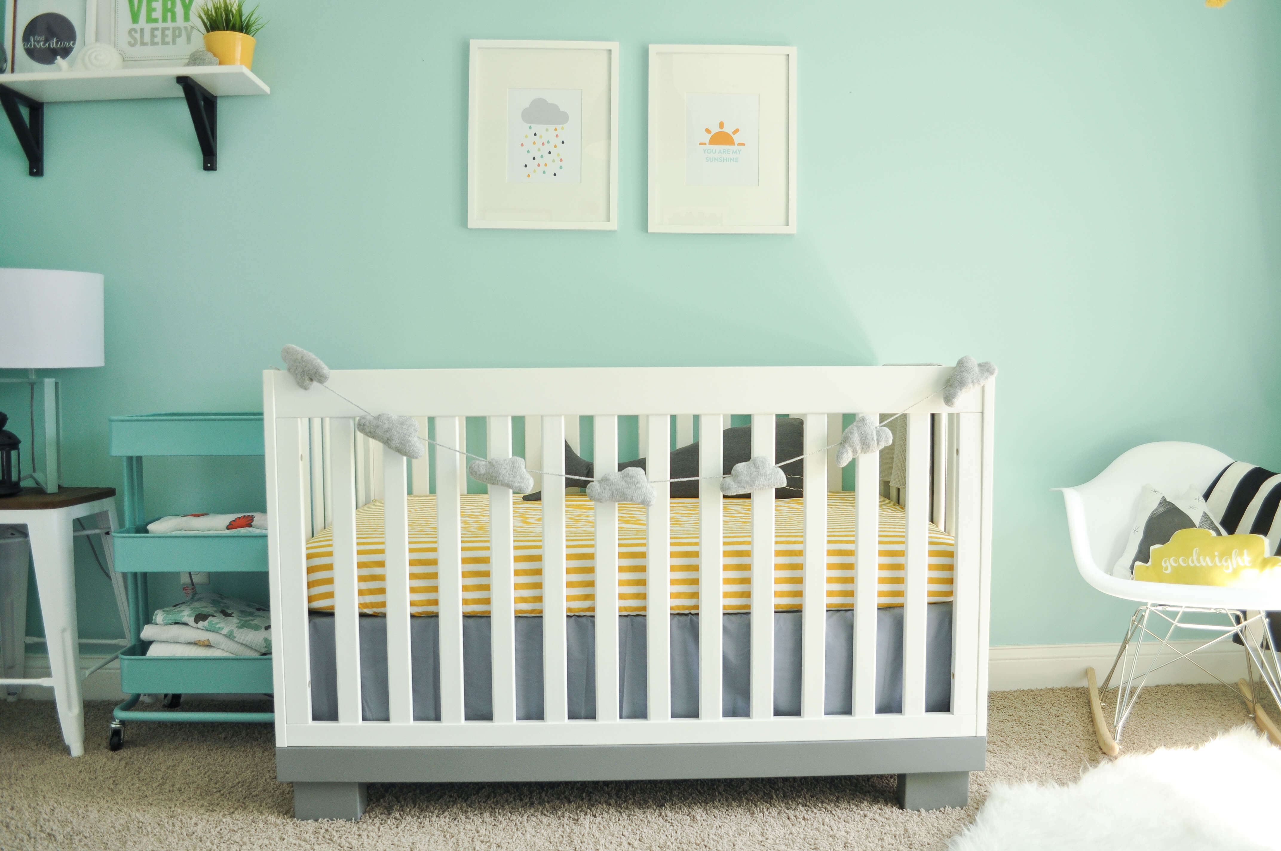 Light DIY painting for your baby's nursery