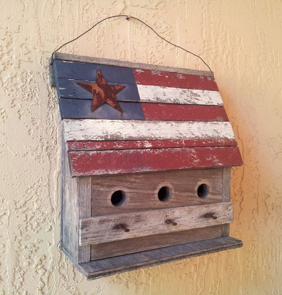 July 4th crafts like this birdhouse!