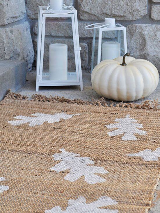 Autumn leaves welcome your guests in!