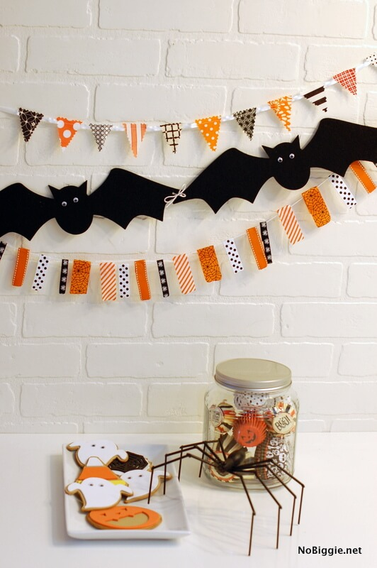 A bat garland! Batman would be proud