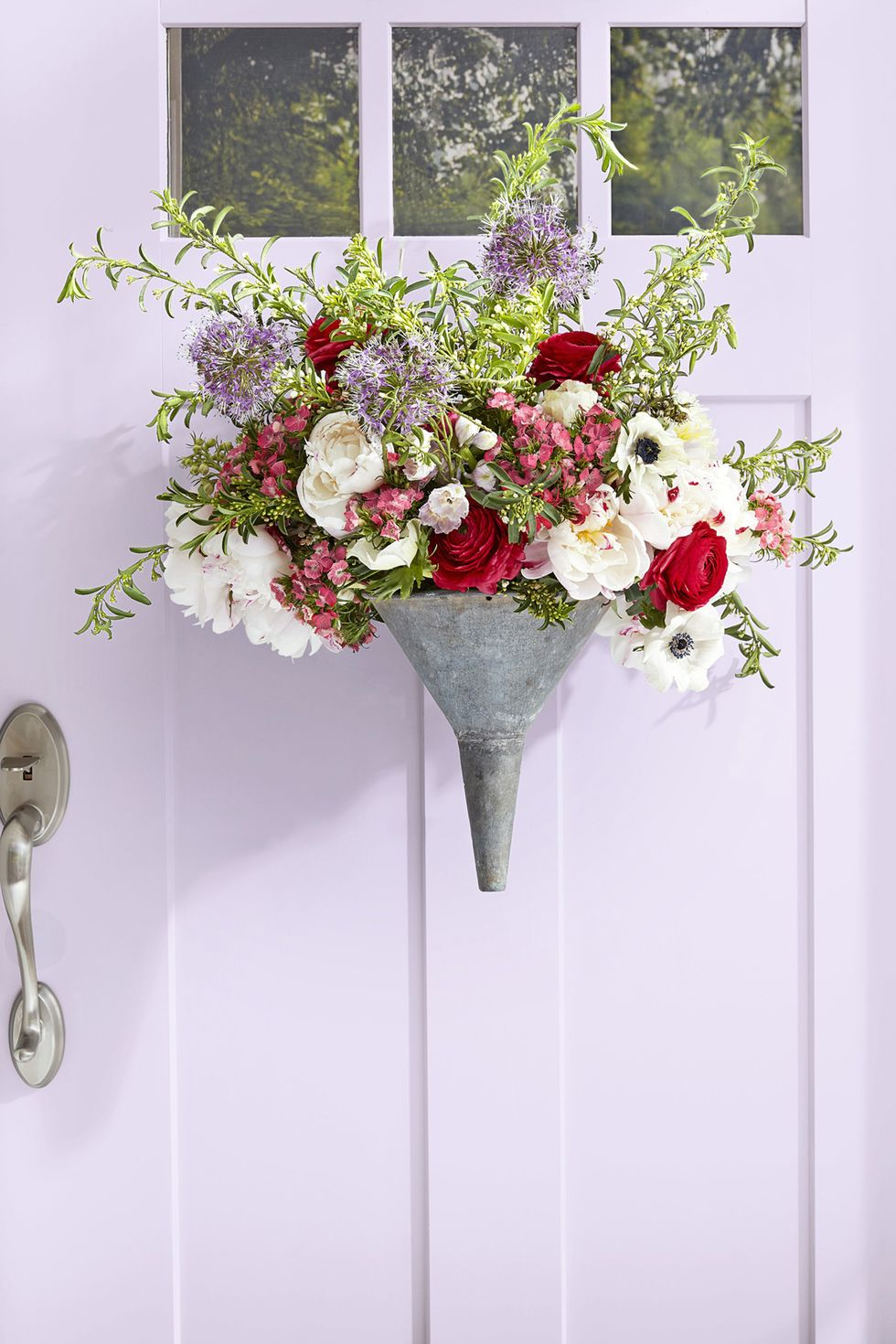 This is an easy but beautiful addition to your door!