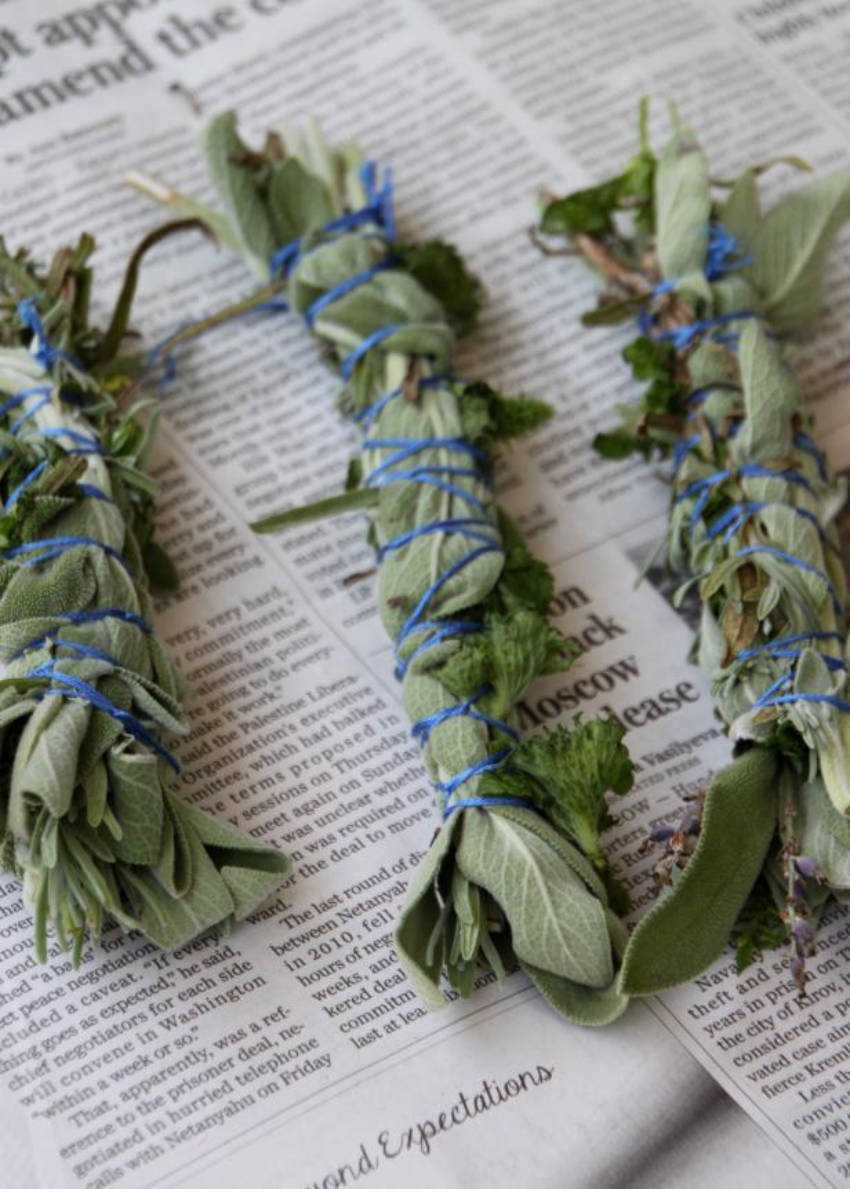This herb bundle is easy to make and will prevent mosquitoes from getting near!