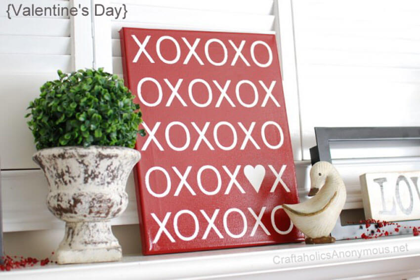 This super cute XOXO canvas decoration is perfect for Valentine's Day.
