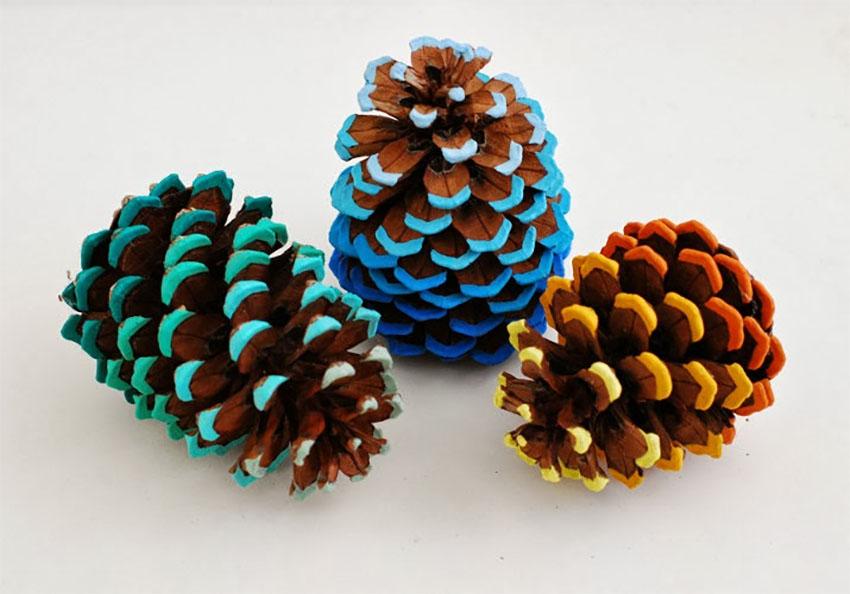 Beautiful Pinecones Thanksgiving