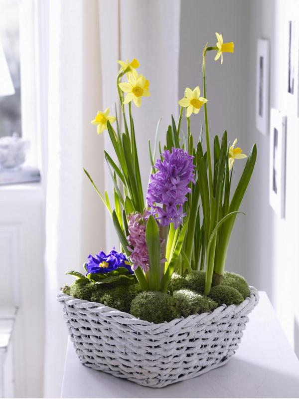 How to use decorative baskets in your home dcor flower arrangement basket mightylinksfo