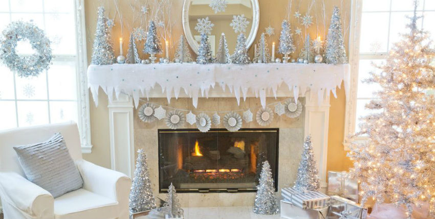 There is still time to turn your home into Christmas Wonderland. Image Source: Party City