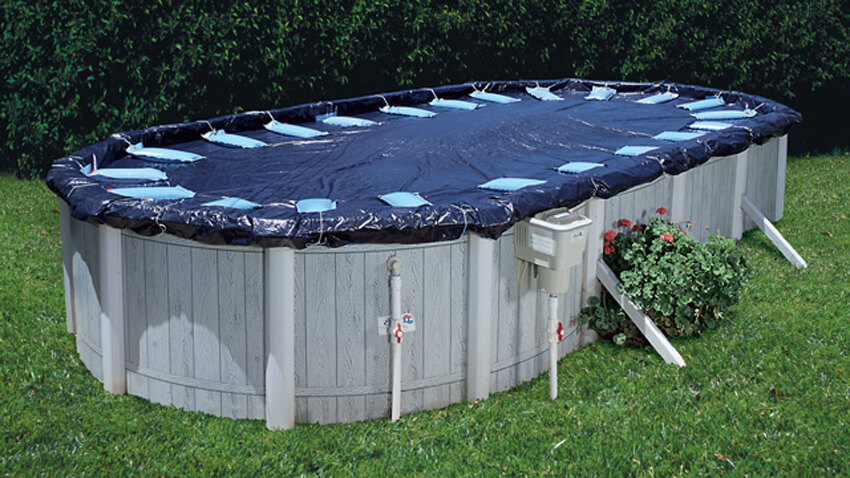Learn the steps you need to take to successfully close your swimming pool for winter.