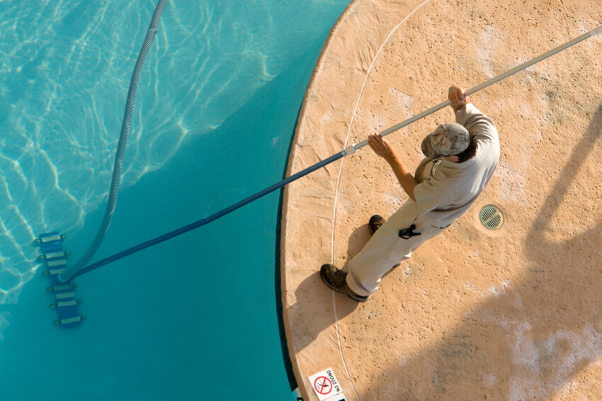 Cleaning your swimming pool before closing it is essential.