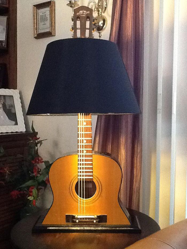 This lamp is a way of showing how much you love guitar in an elegant way. Image Source: Top Dreamer