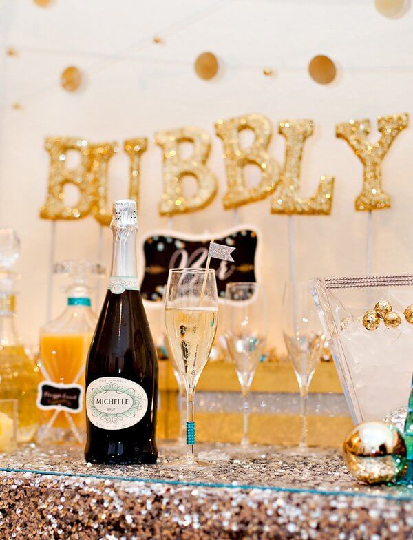 With so many champagne cocktail recipes to choose from, you'll be sure to find something for everyone!