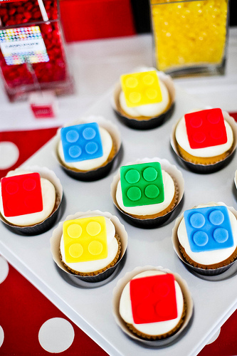 Candies are a must have. Why not LEGO candies? Image Source: Pequenada