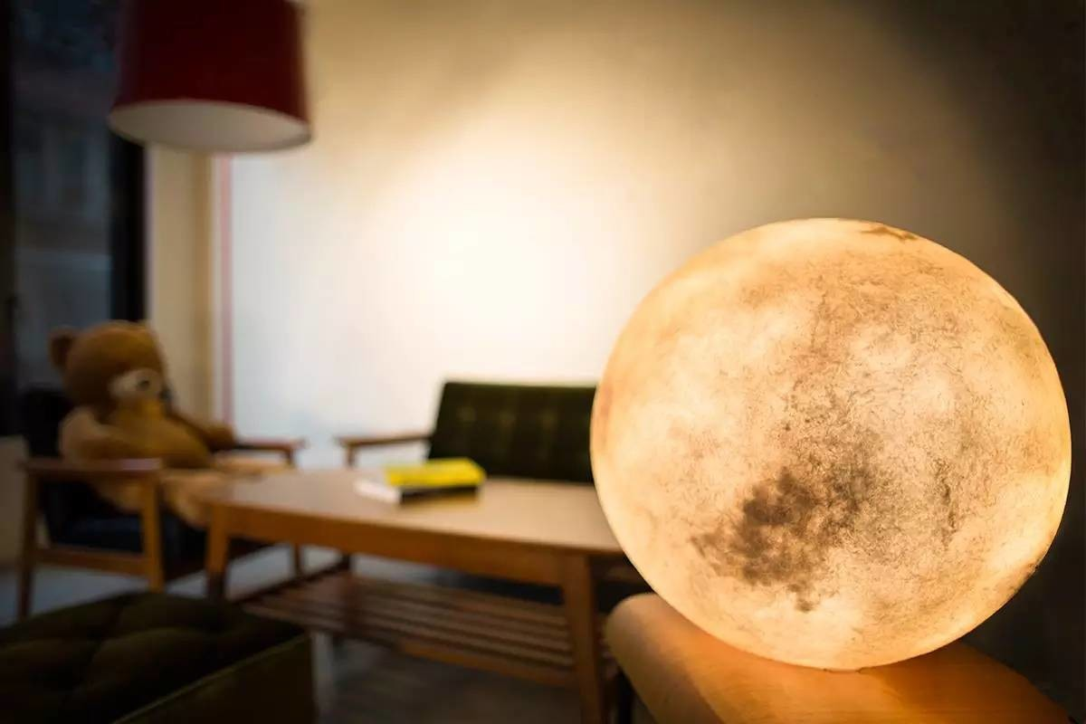 The Luna lamp brings the full moon 24/7 to any environment. Image Source: Indiegogo