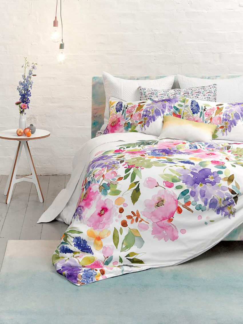 Choose floral fabrics or wildlife themes for an amazing nature-inspired room.